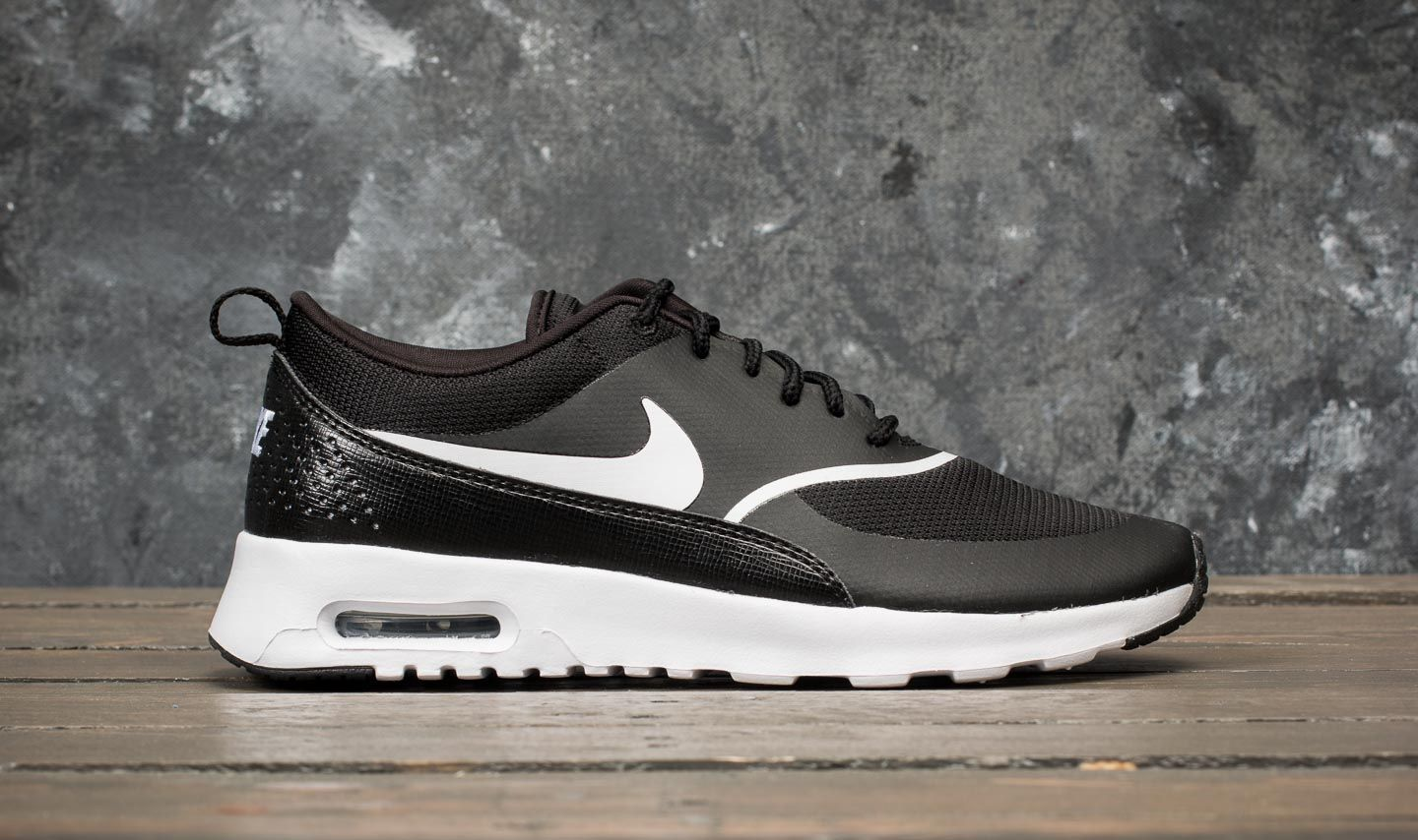 check out ce6c4 11cf9 Nike Wmns Air Max Thea Black  White at a great price 121 € buy at