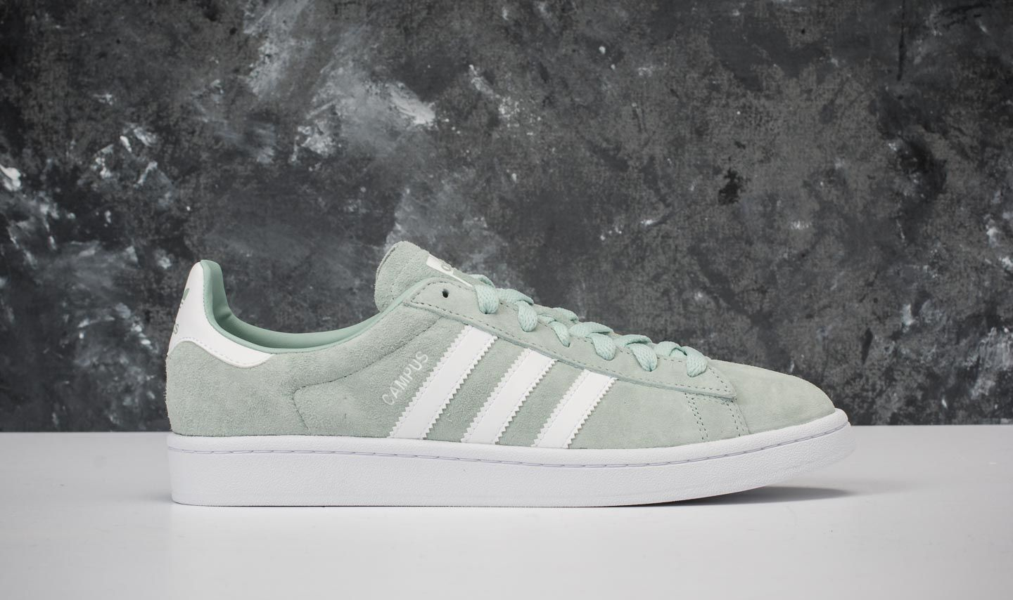 new product c00c6 30e69 adidas Campus Ash Green Ftw White Ftw White at a great price 52 €
