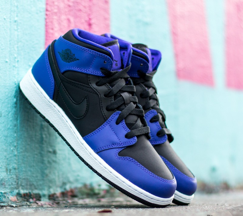 the best attitude 53664 f35eb Air Jordan 1 Mid (BG). Black  Black-Dark Concord