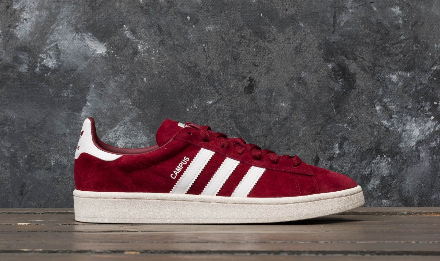 6a76e059b65 adidas Campus Collegiate Burgundy  Ftw White  Chalk White at a great price  63 €