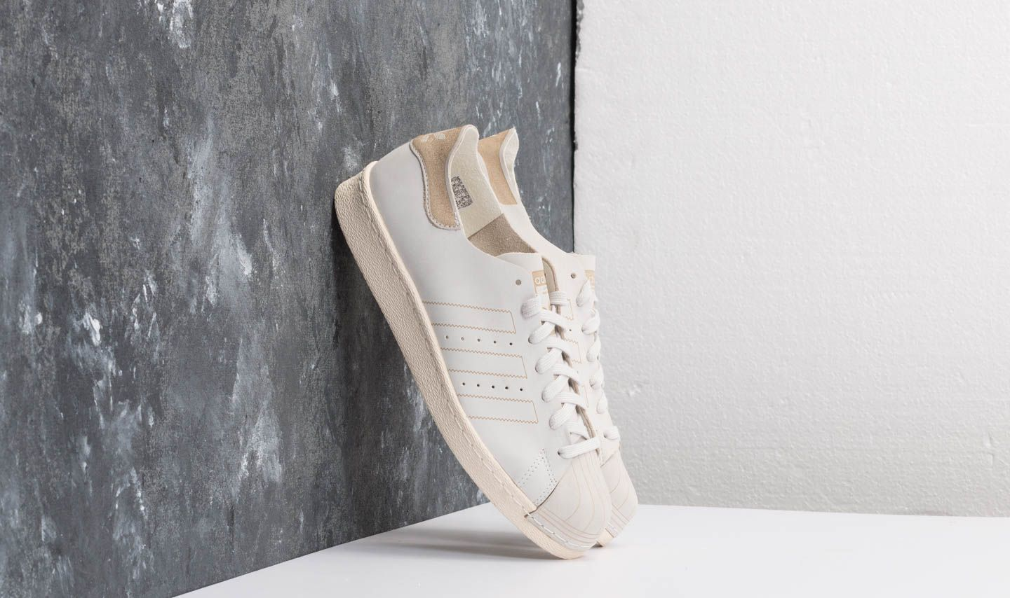 best service b35ac d7c34 adidas Superstar 80s Decon Ftw White  Ftw White  Brown at a great price  99