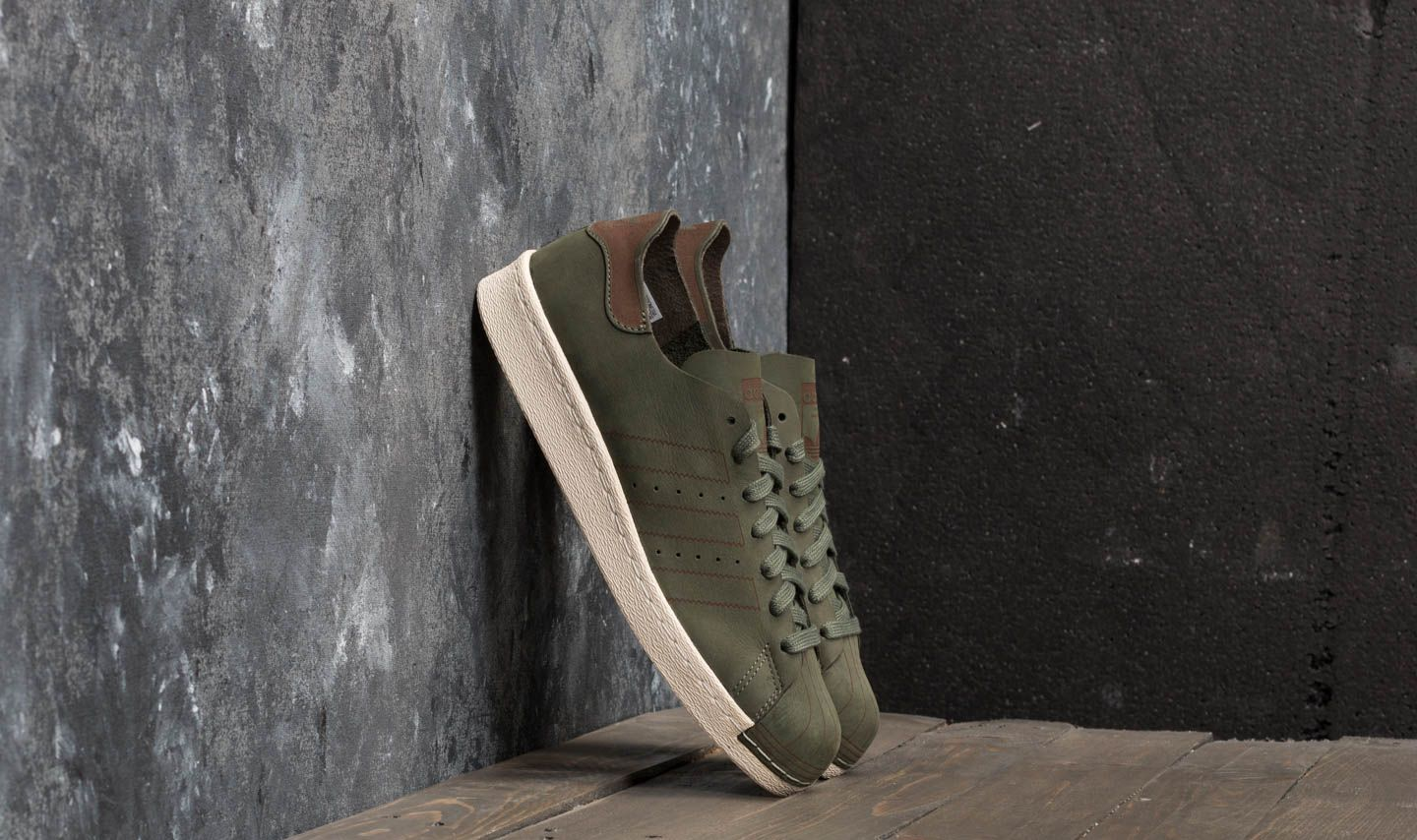 77f49ca9f6025 adidas Superstar 80s Decon Base Green  Base Green  Noble Red at a great  price