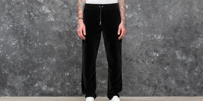 AXEL ARIGATO Kuro Velvet Trousers Black za skvělou cenu 1 790 Kč koupíte na Footshop.cz