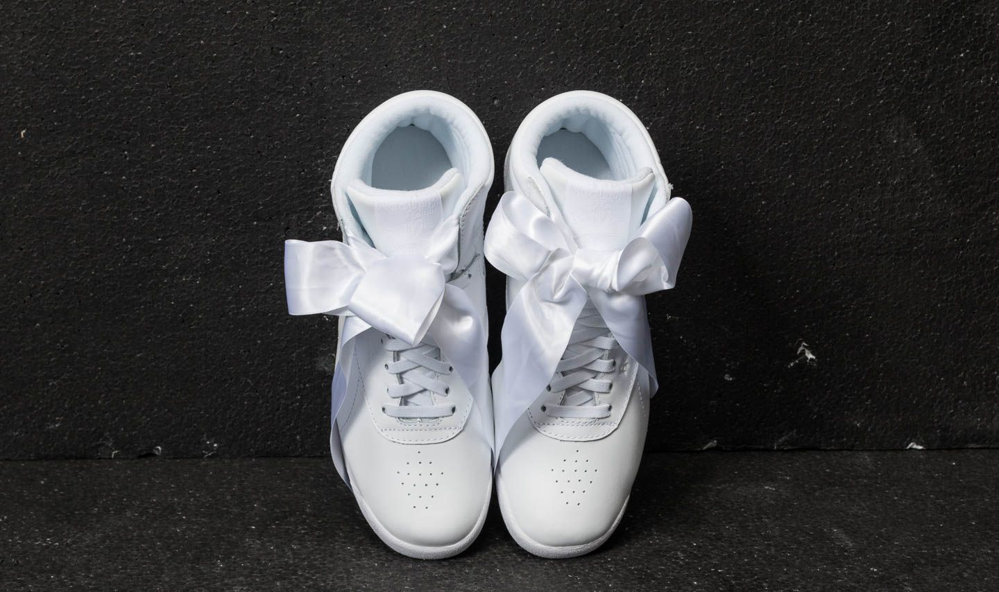 7d3c43b32d3 Reebok Freestyle Hi Satin Bow White  Skull Grey at a great price 55 € buy