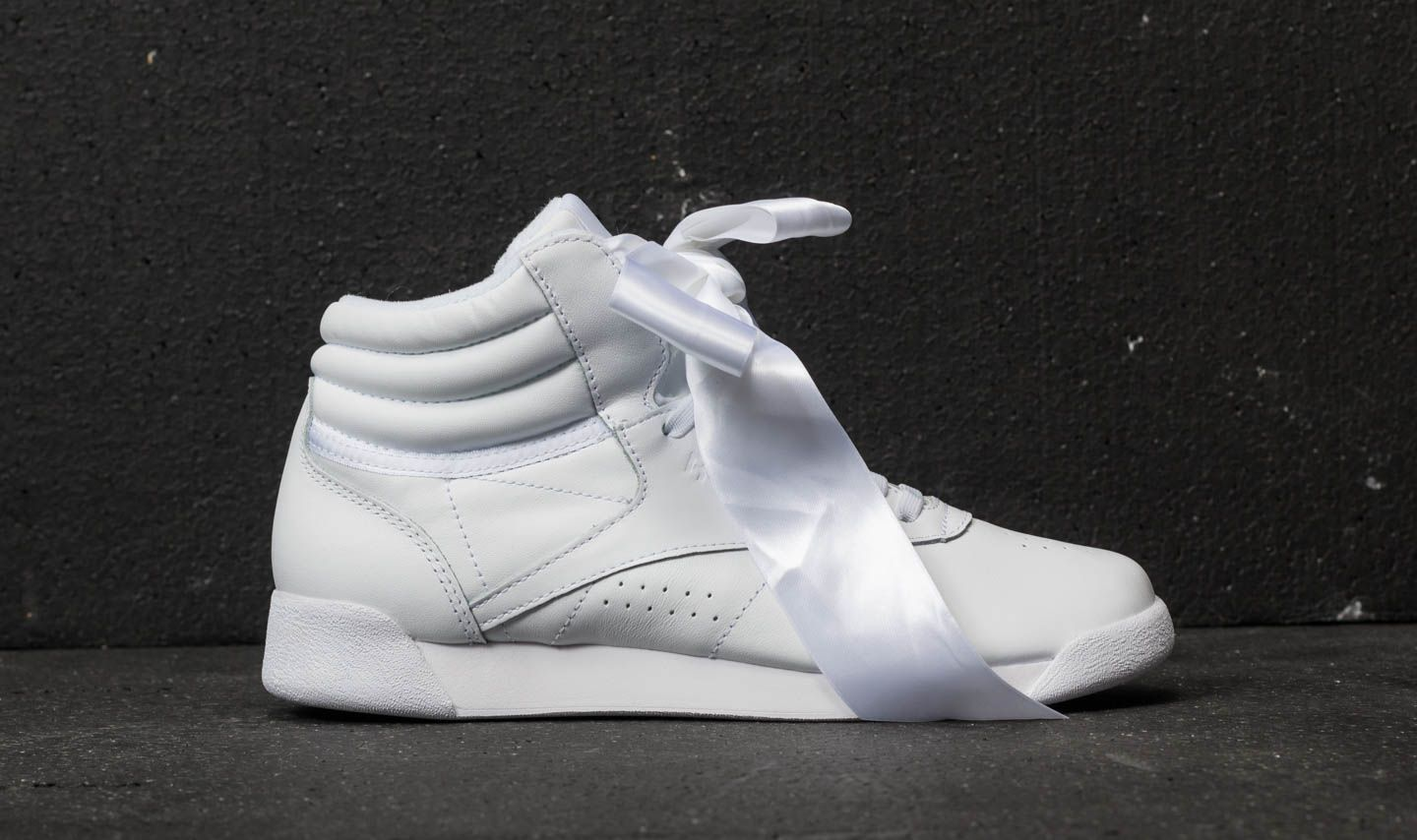 182f42d57d53c Reebok Freestyle Hi Satin Bow White  Skull Grey at a great price 55 € buy