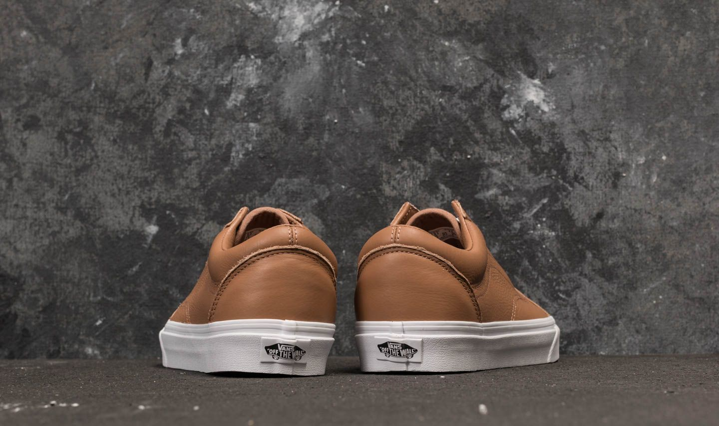 32d6a24161f Vans Old Skool (Leather) Tawny Brown  True White at a great price £