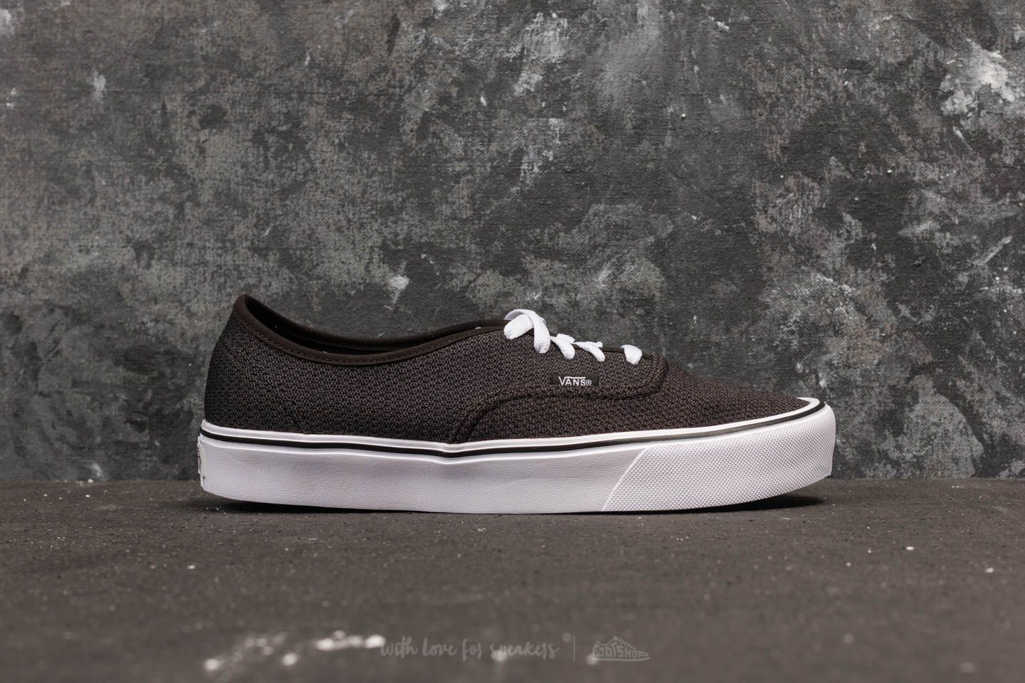 9c003020ff Vans Authentic Lite (Mesh) Black  Asphalt at a great price 35 € buy