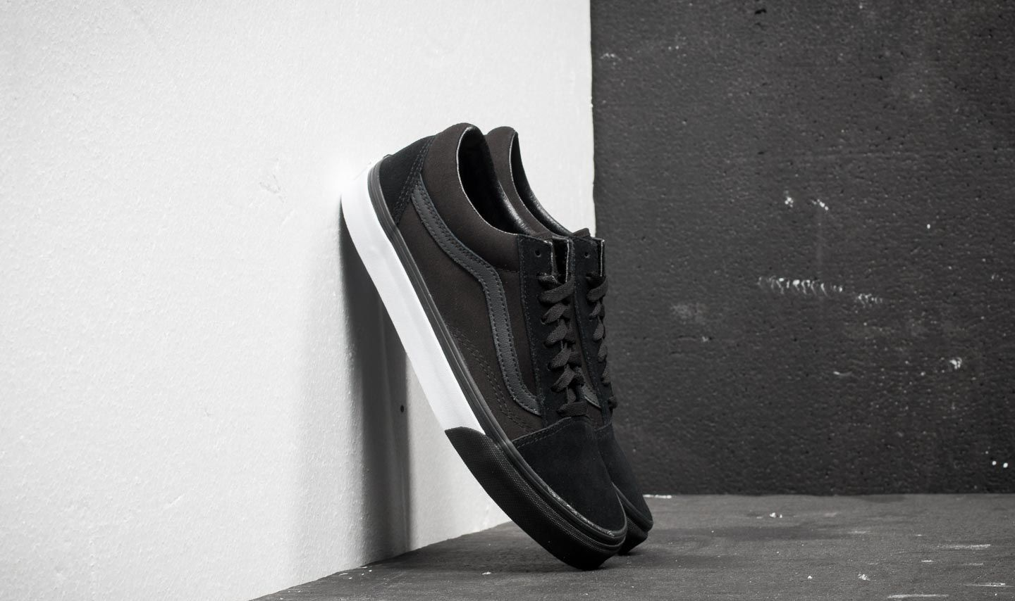Vans Old Skool (Mono Bumper) Black  True White  faf5976d54