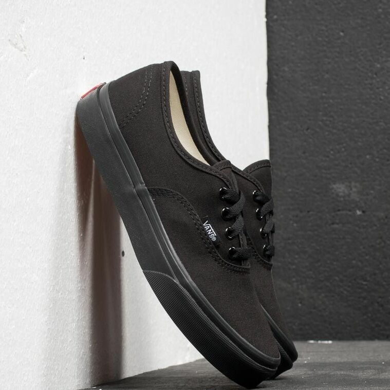 Vans Authentic Black/ Black EUR 30.5