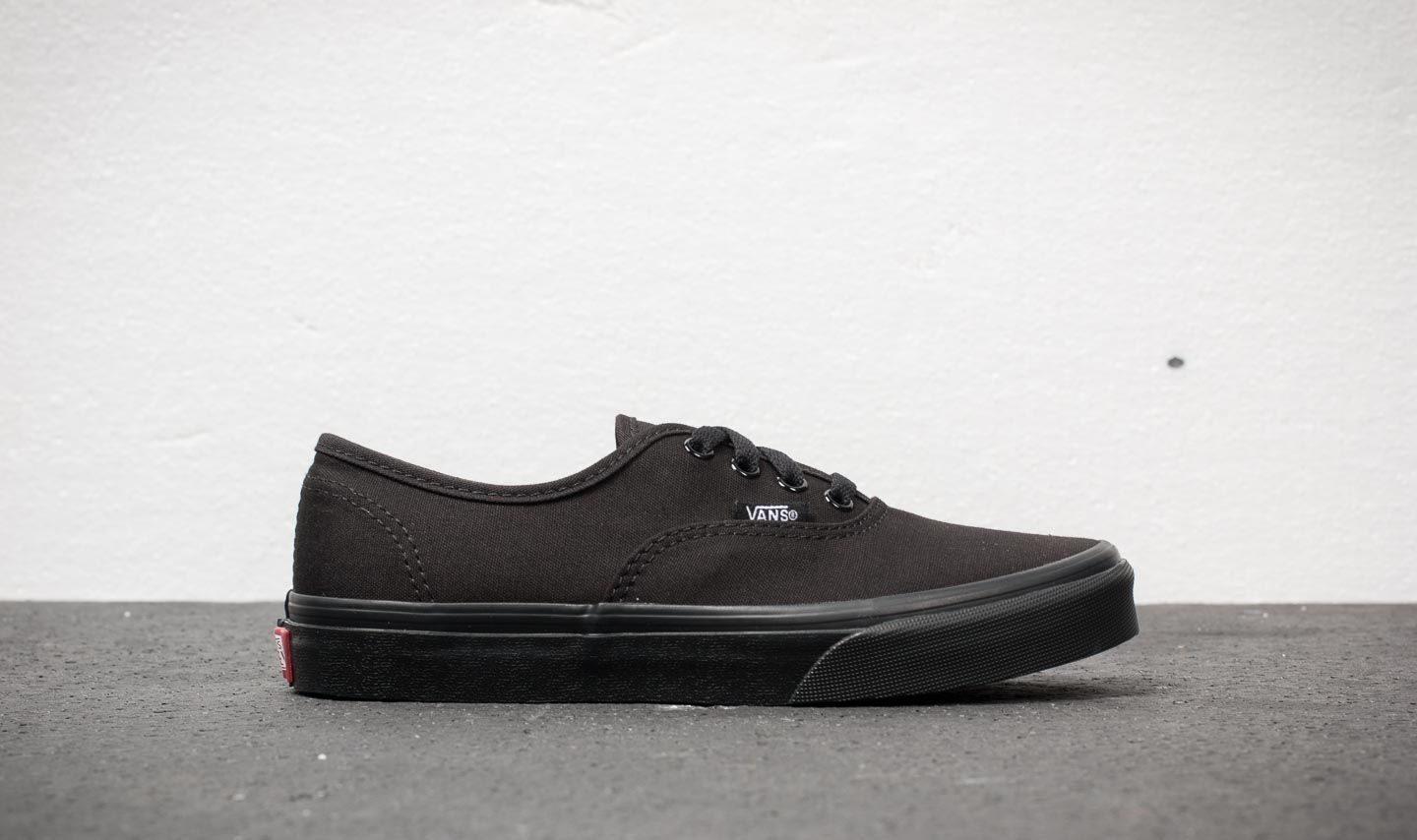 219eed5e85b0 Vans Authentic Black  Black at a great price 27 € buy at Footshop
