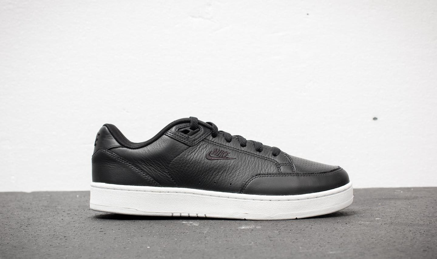 newest e040b 8160f Nike Grandstand II Premium Black Black-White at a great price 66 € buy