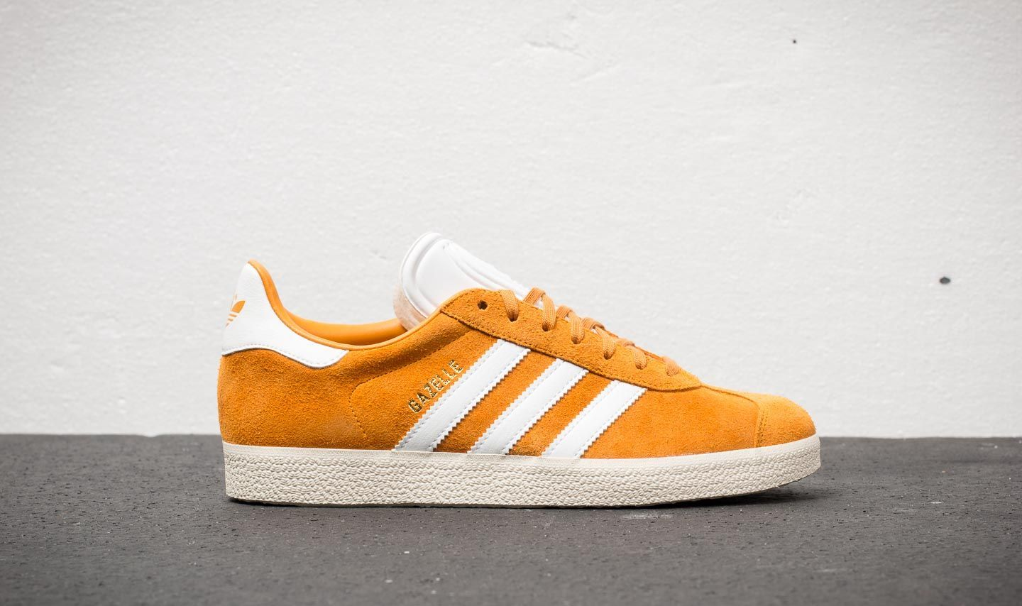 finest selection d35da 4622d adidas Gazelle Collegiate Gold Ftw White Cream White at a great price £61