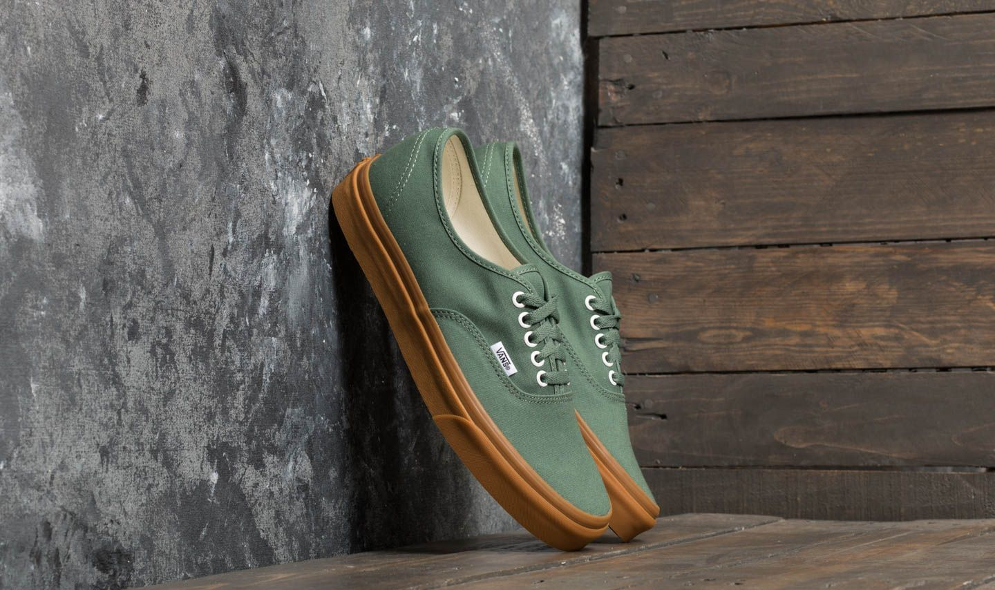 6aabdeb7f0b Vans Authentic Duck Green  Gum