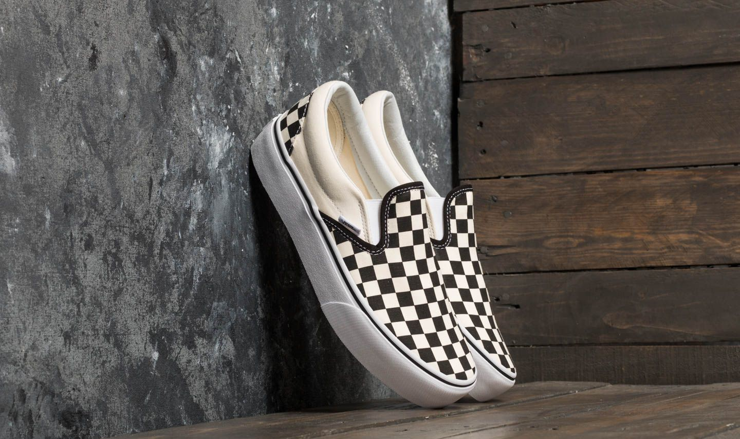 Vans Classic Slip-On Platform Black And White Checkerboard  White za  skvělou cenu 1 d58d0680b7