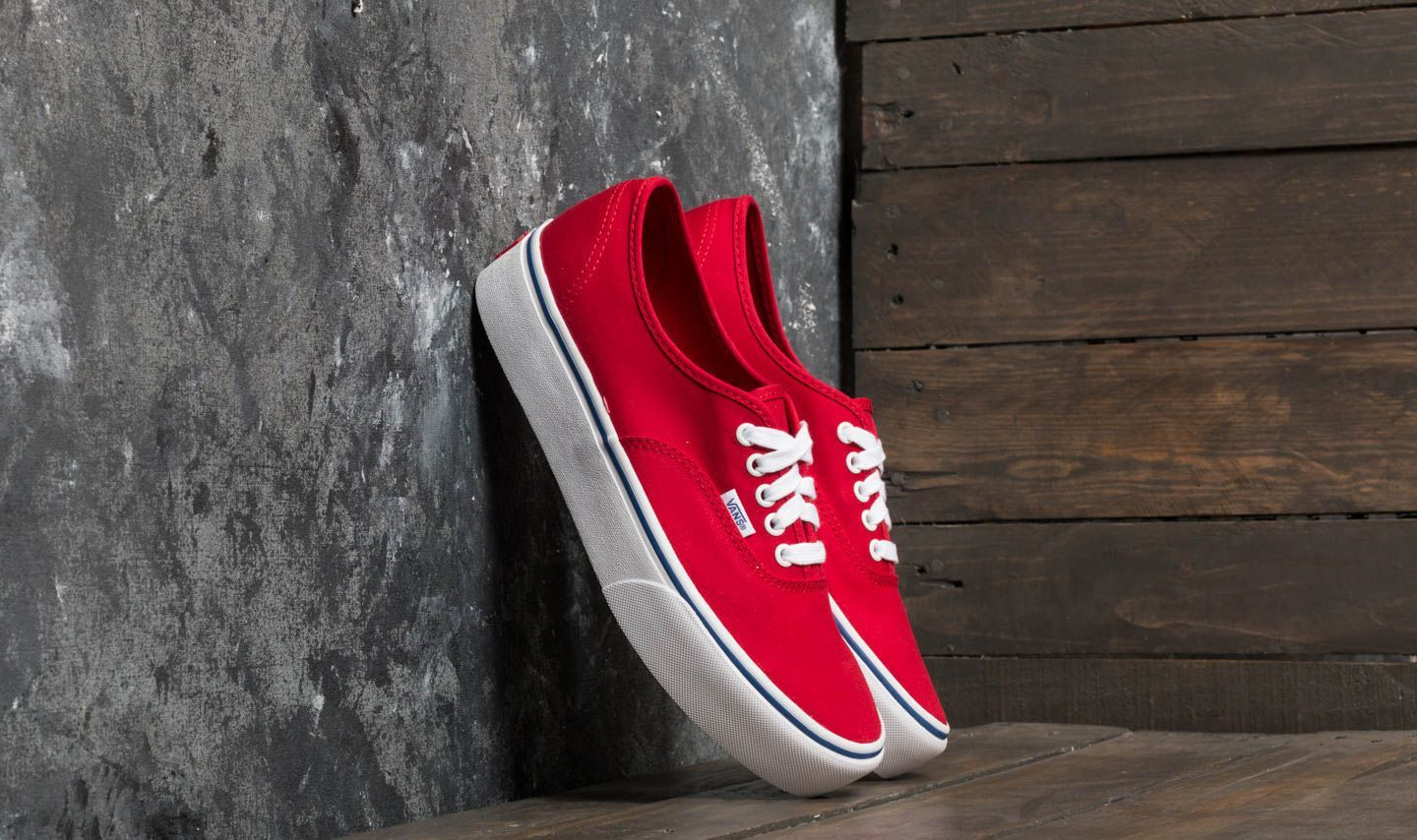 eb035225fbe Vans Authentic Platform (Canvas) Racing Red  True White