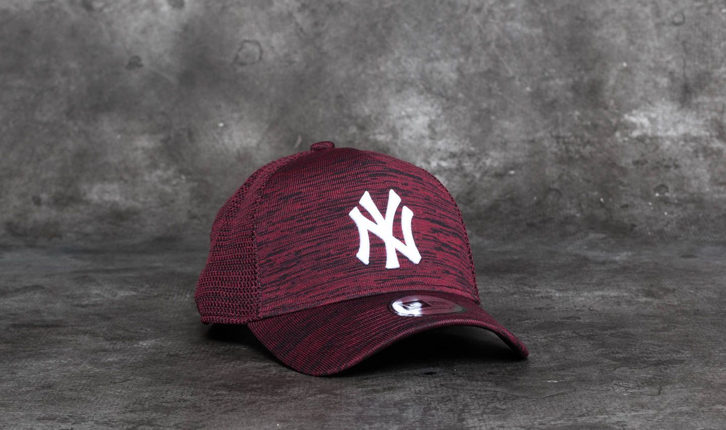 baa29cdbf2b New Era 9Forty Engineered Fit New York Yankees Cap Maroon  Black ...