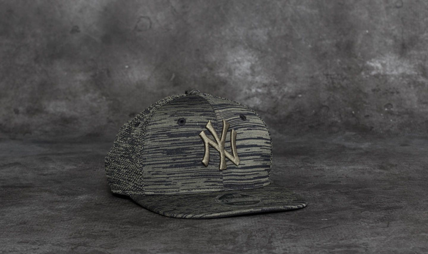 9fd2f165 New Era 9Fifty Engineered Fit New York Yankees Cap Olive/ Black ...
