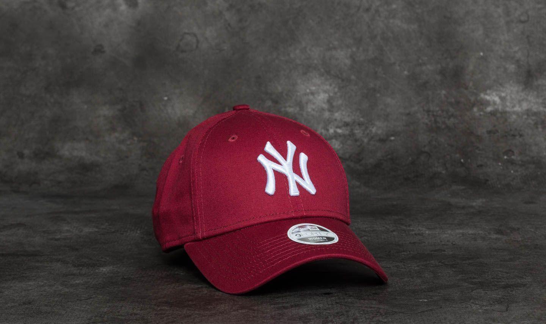 11decb40b4346 New Era 9Forty Women Essential New York Yankees Cap. Burgundy  White