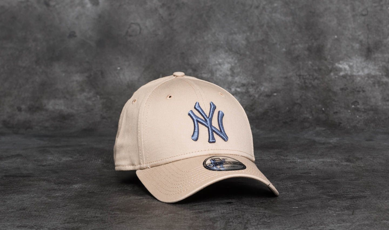 New Era 9Forty League Essential New York Yankees Cap Camel  Lavender ... b8947001eff