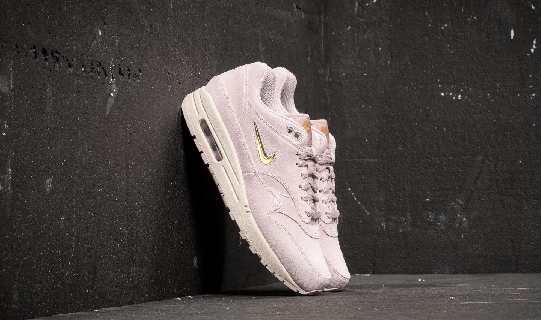 hot sale online f16a9 4eb2a Nike Air Max 1 Premium SC