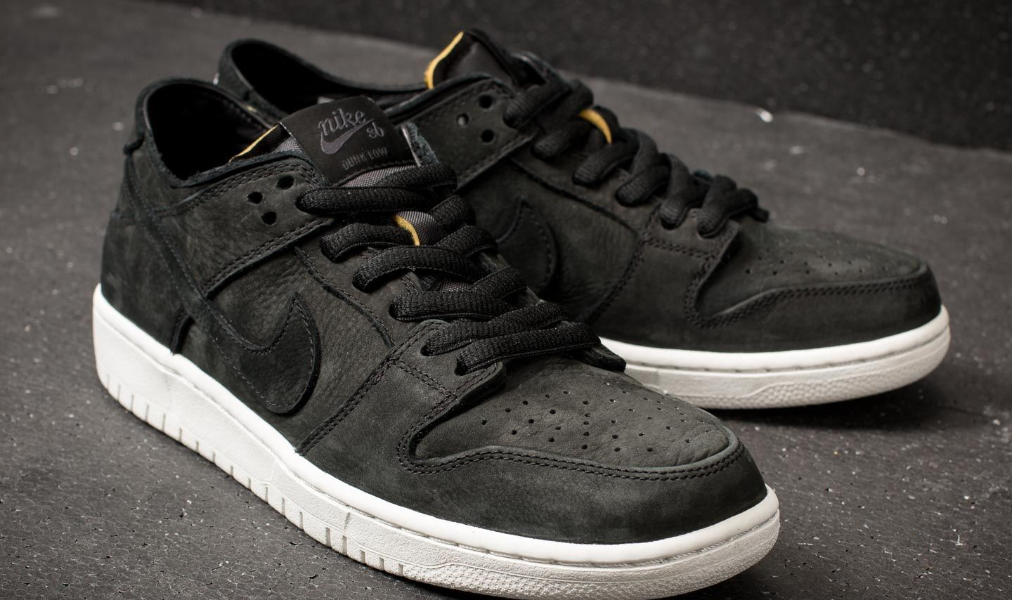 19a50de24e45 ... clearance nike sb zoom dunk low pro decon black black summit white at a  great 21791