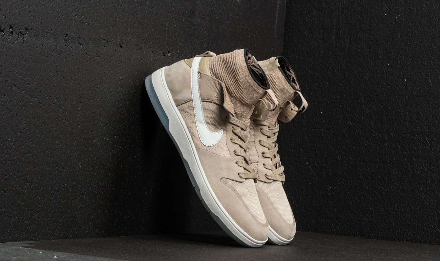 on sale 2b1f4 95986 Nike SB Zoom Dunk High Elite Khaki  Light Bone  Black at a great price