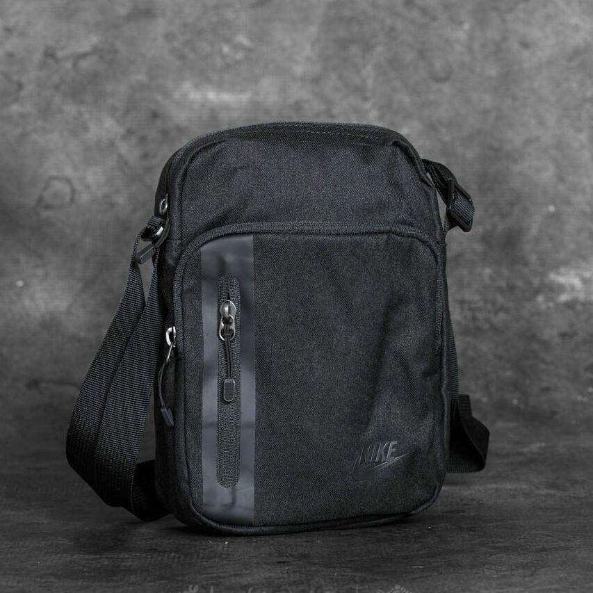 685289748 Nike tech small items bag levně | Blesk zboží