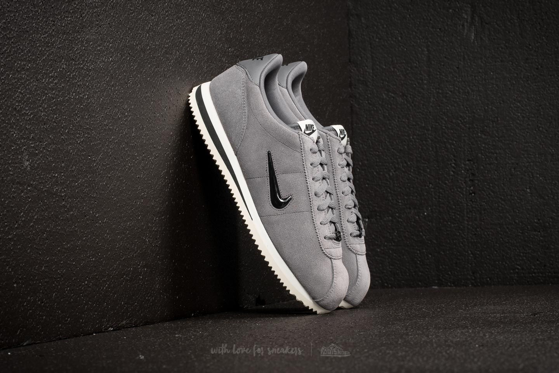 wholesale dealer a20f8 b154f Nike Cortez Basic SE