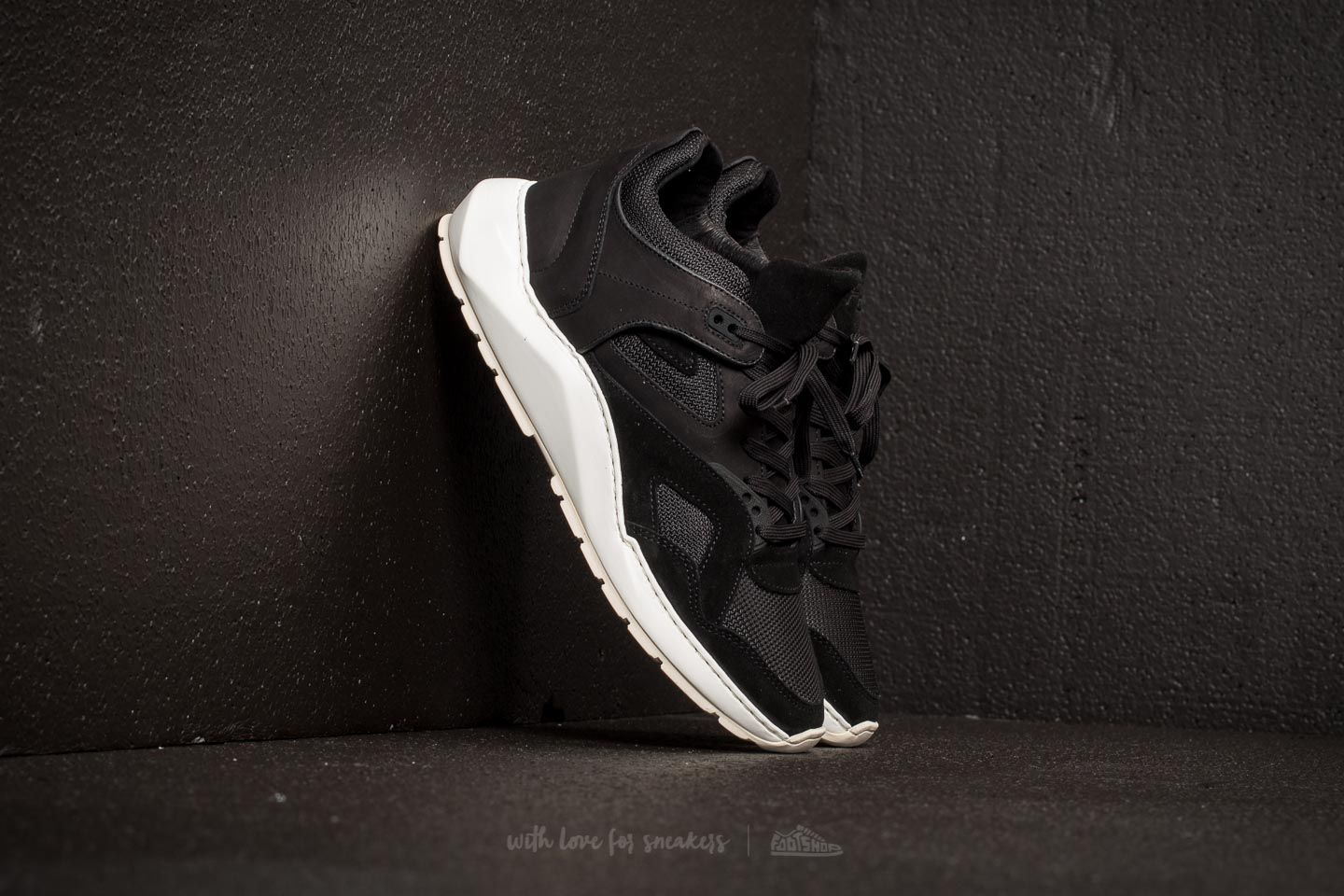Filling Pieces Low Legacy Arch Runner Foil