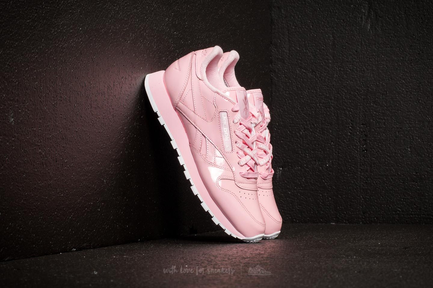 55e9d5b58 Reebok x Opening Ceremony Classic Leather Pink Glow/ White ...