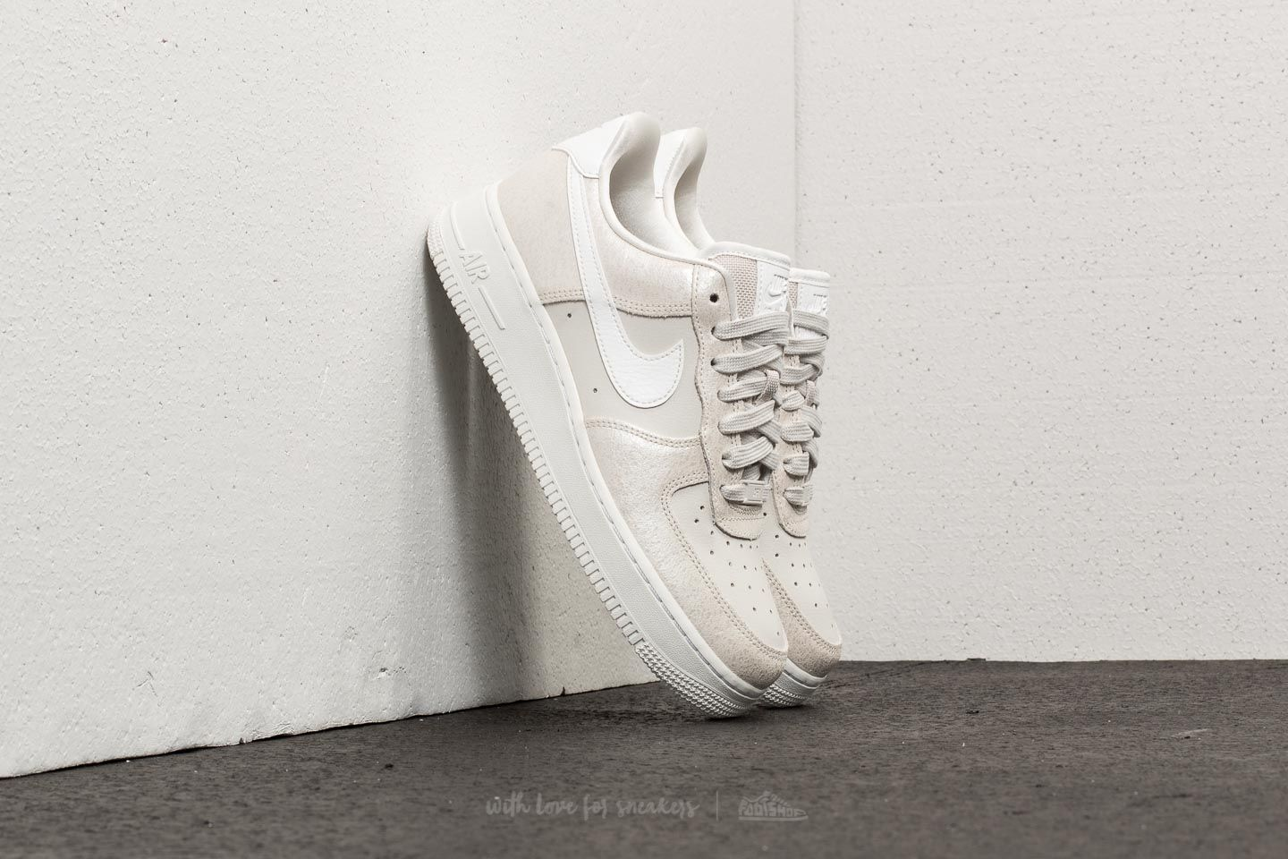 info for 89fdf 8841f Nike Air Force 1 ´07 Premium WMNS. Light ...
