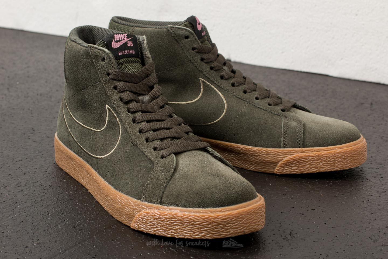 Nike Blazer Mid Suede W shoes olive