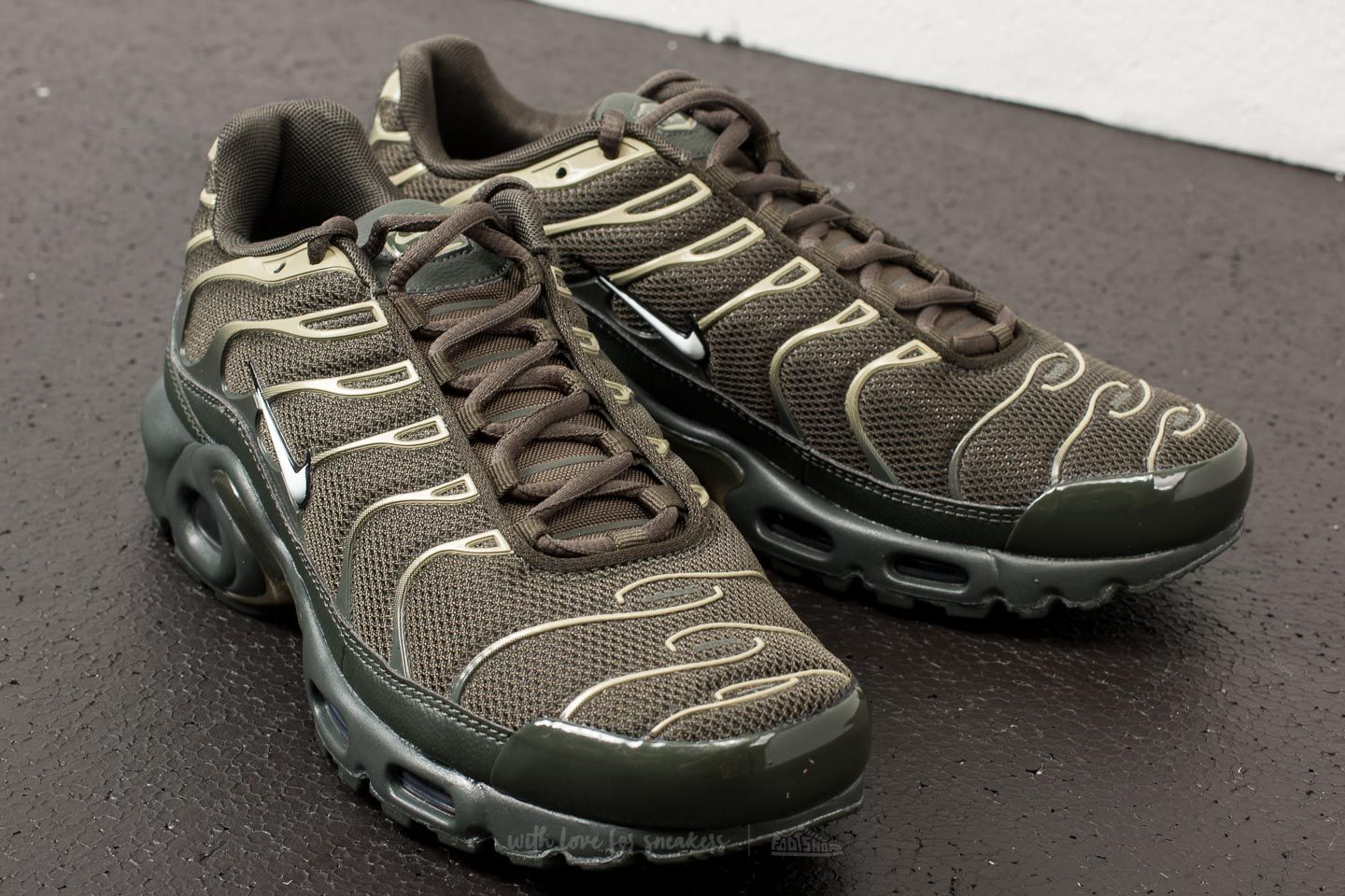 b4bfc4c64d ... Nike Air Max Plus Sequoia White-Netural Olive at a great price 158 ...