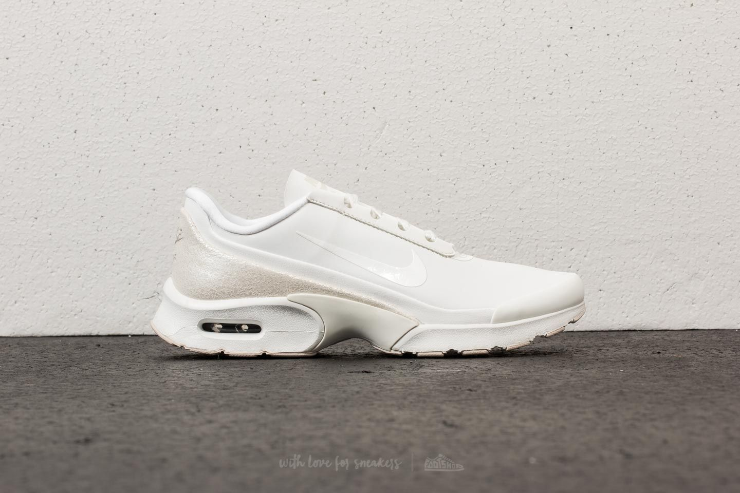 Nike W Air Max Jewell Lea Summit White  Metallic Summit White at a great  price ad357401391