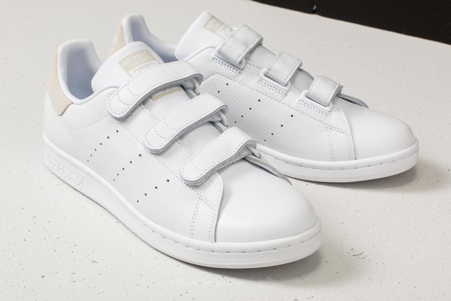 adidas Stan Smith CF Ftw White  Ftw White  Talc at a great price £ da7918f64