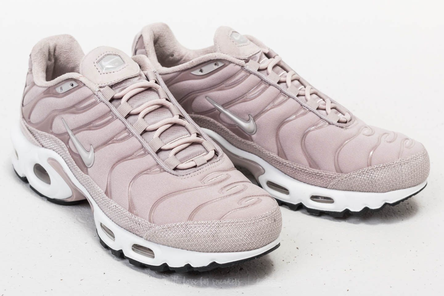 newest b5238 e5a81 Nike Wmns Air Max Plus Premium Moon Particle/ Moon Particle ...