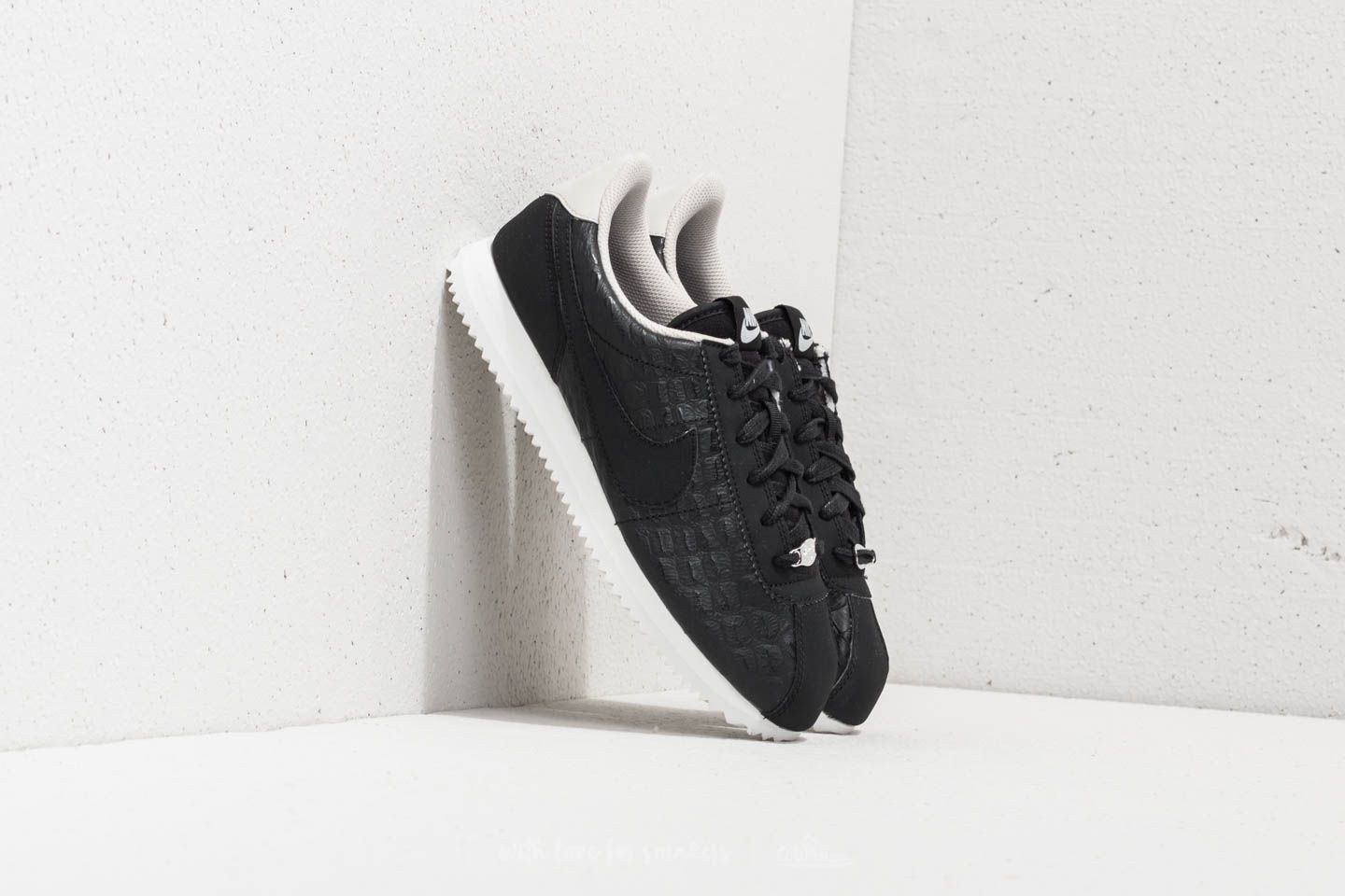 info for 76aa4 b3a70 Nike Cortez Basic Leather SE (GS)