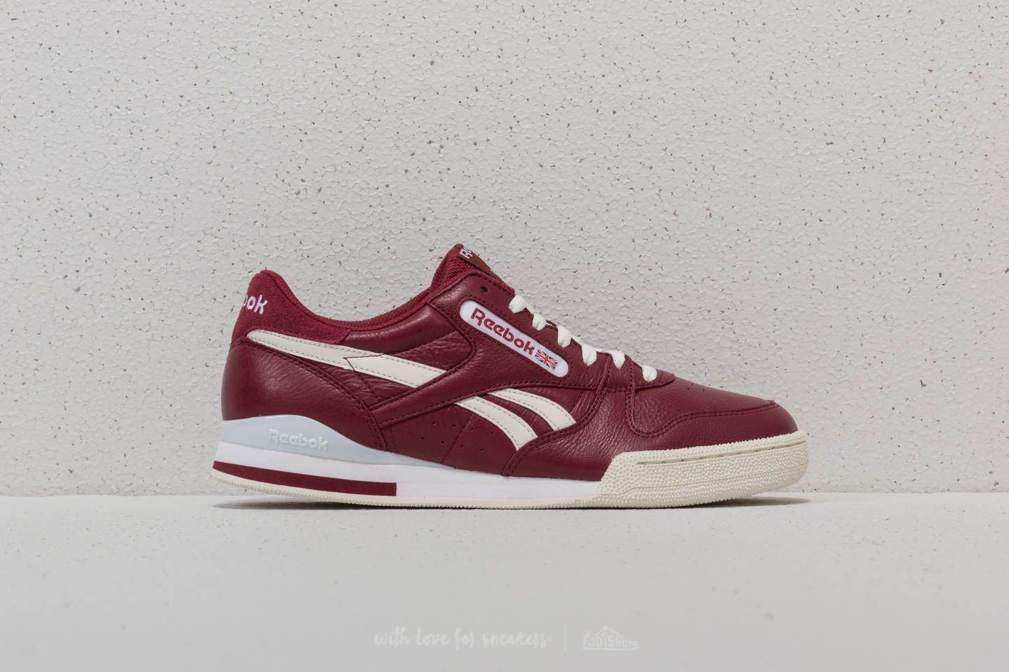 5f70c999670 Reebok Phase 1 Pro DL Urban Maroon  Cloud Grey at a great price 55 €
