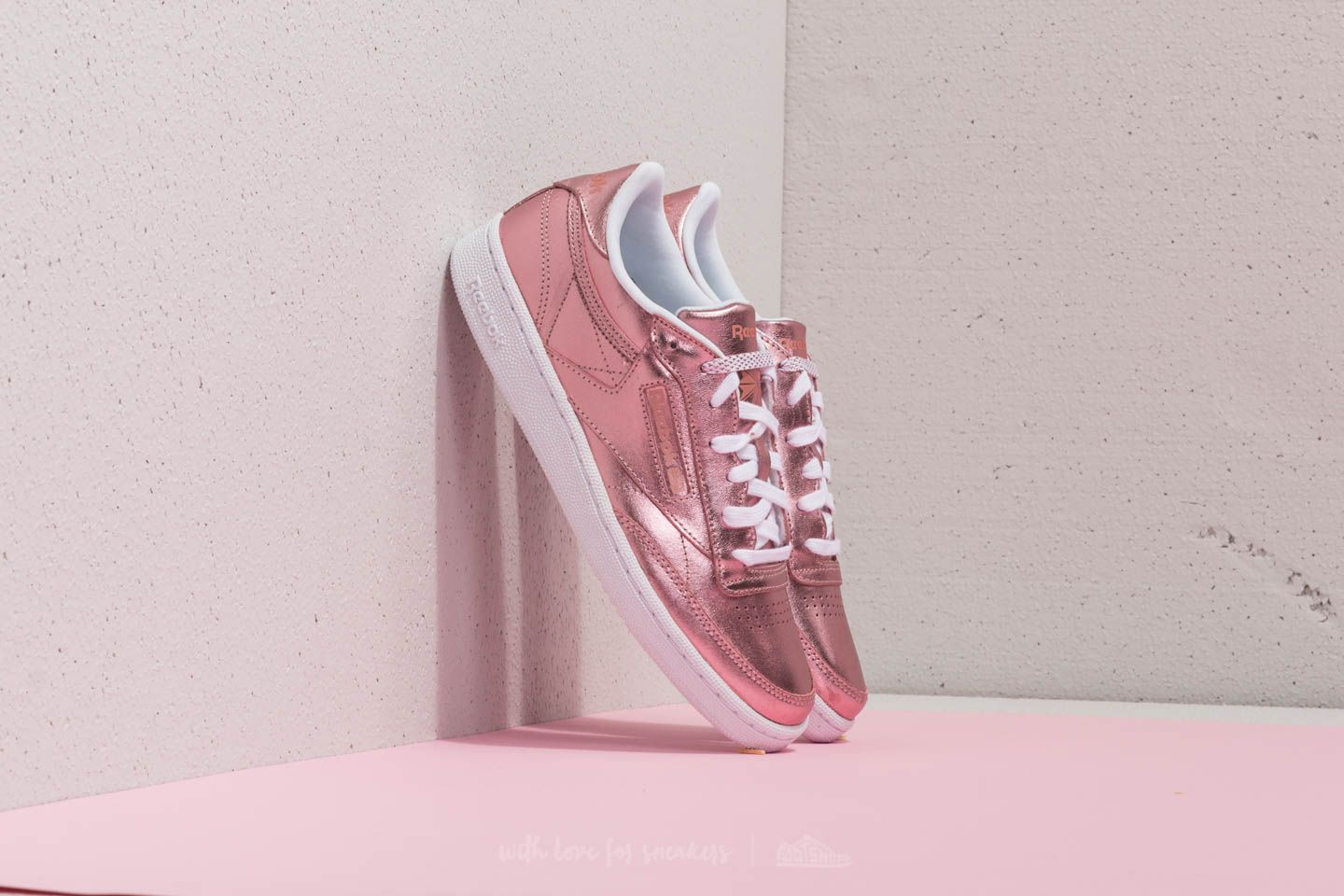 ee4d01f50739 Reebok Club C 85 S Shine Copper  White at a great price 52 € buy