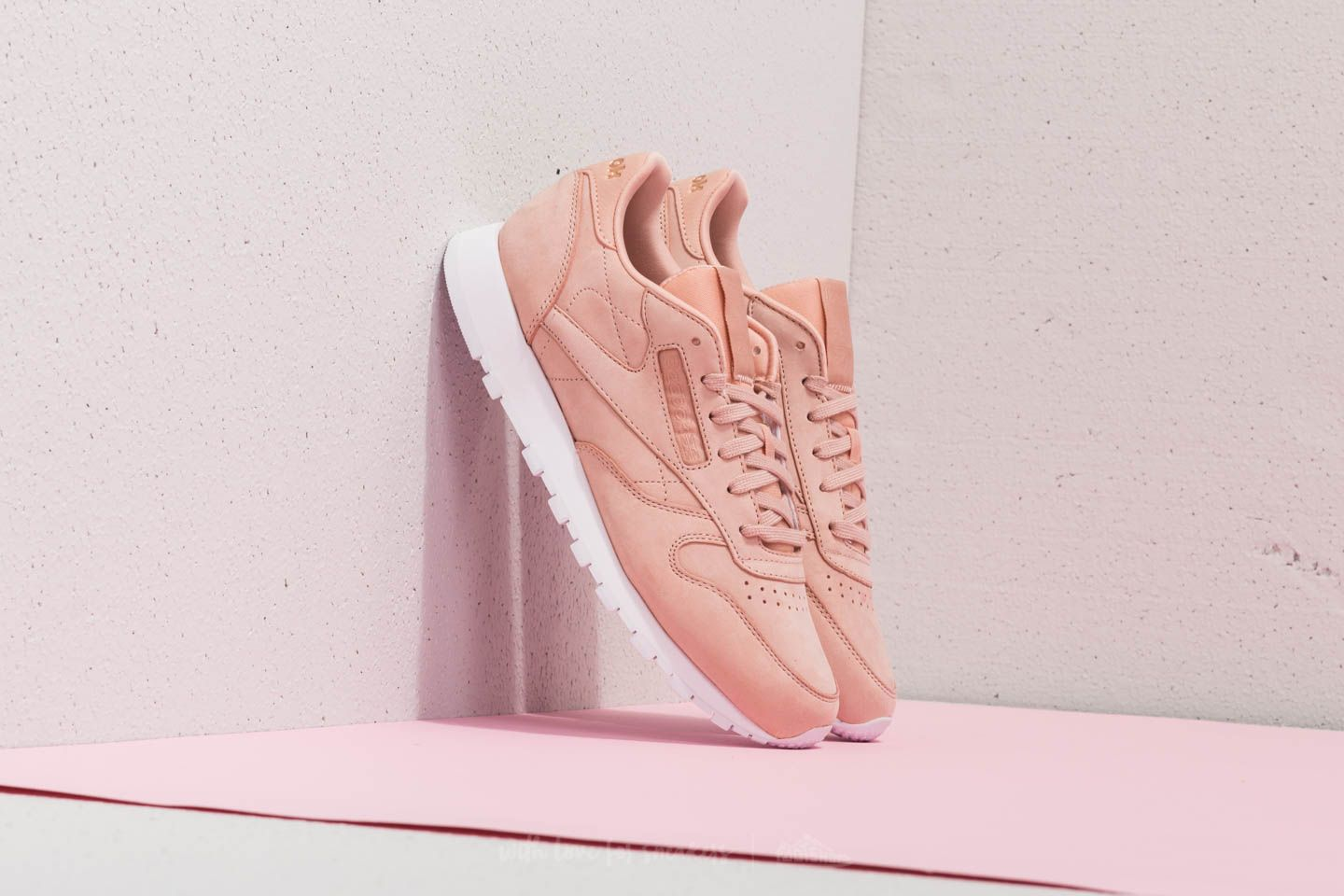 Reebok Classic Leather Nude Nubuck Rose Cloud/ White