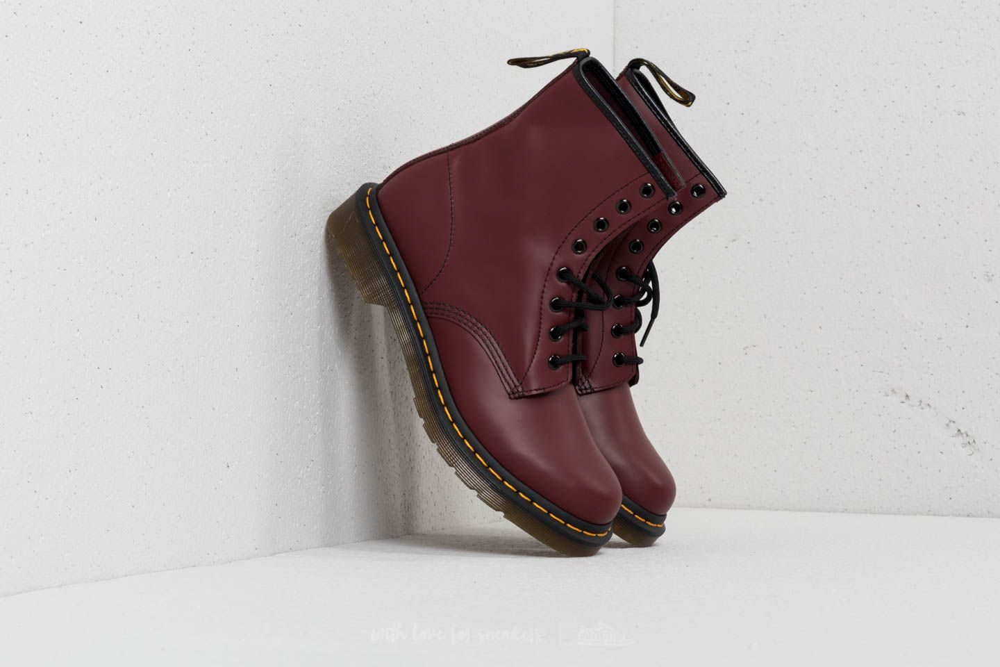 Dr. Martens 1460 W Smooth Cherry Red