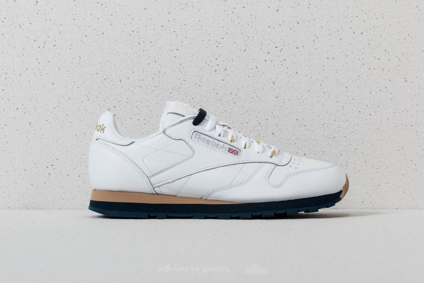 59cb5a6443277 Reebok x Beams Classic Leather White  Gold Metallic  Collegiate Navy at a  great price