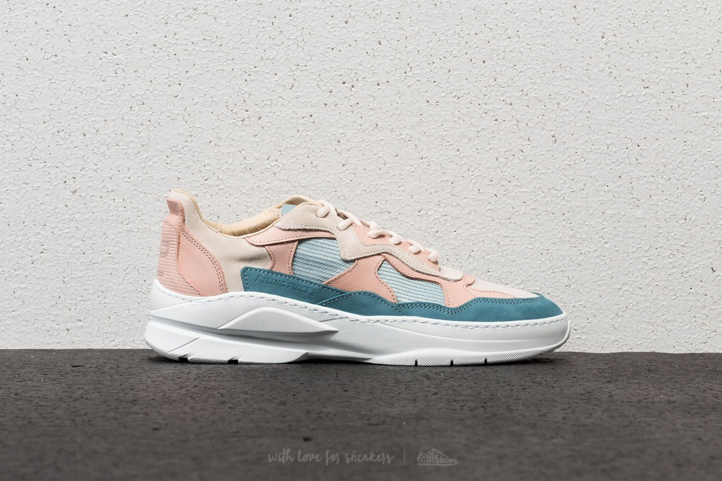 Filling Pieces Low Fade Cosmo Infinity Blue Pink | Footshop