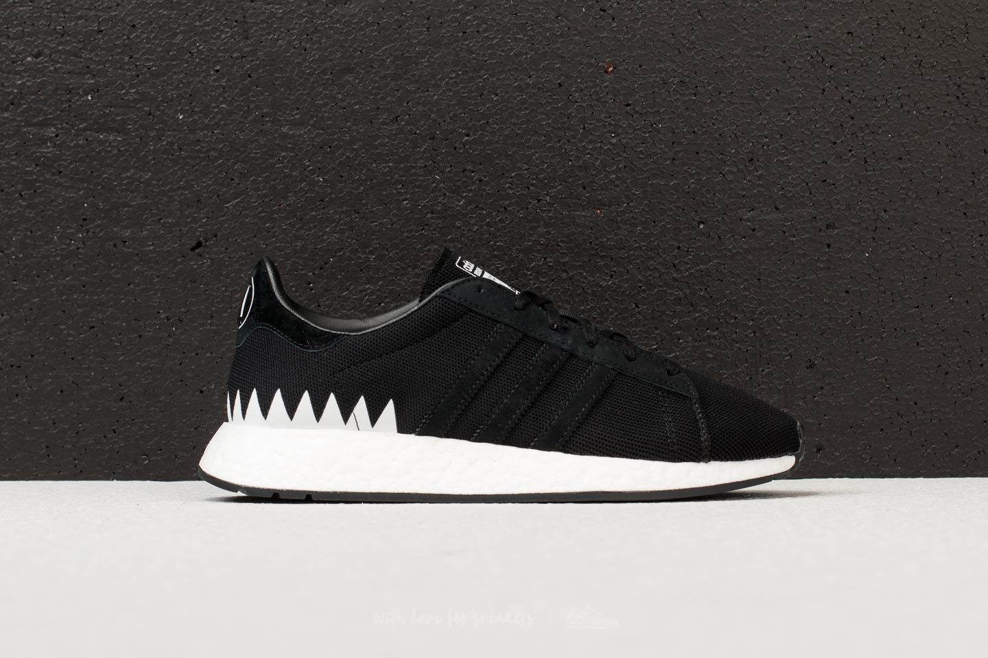 super popular 7d345 6b47c adidas x Neighborhood Chop Shop Core Black Core White at a great price 99 €