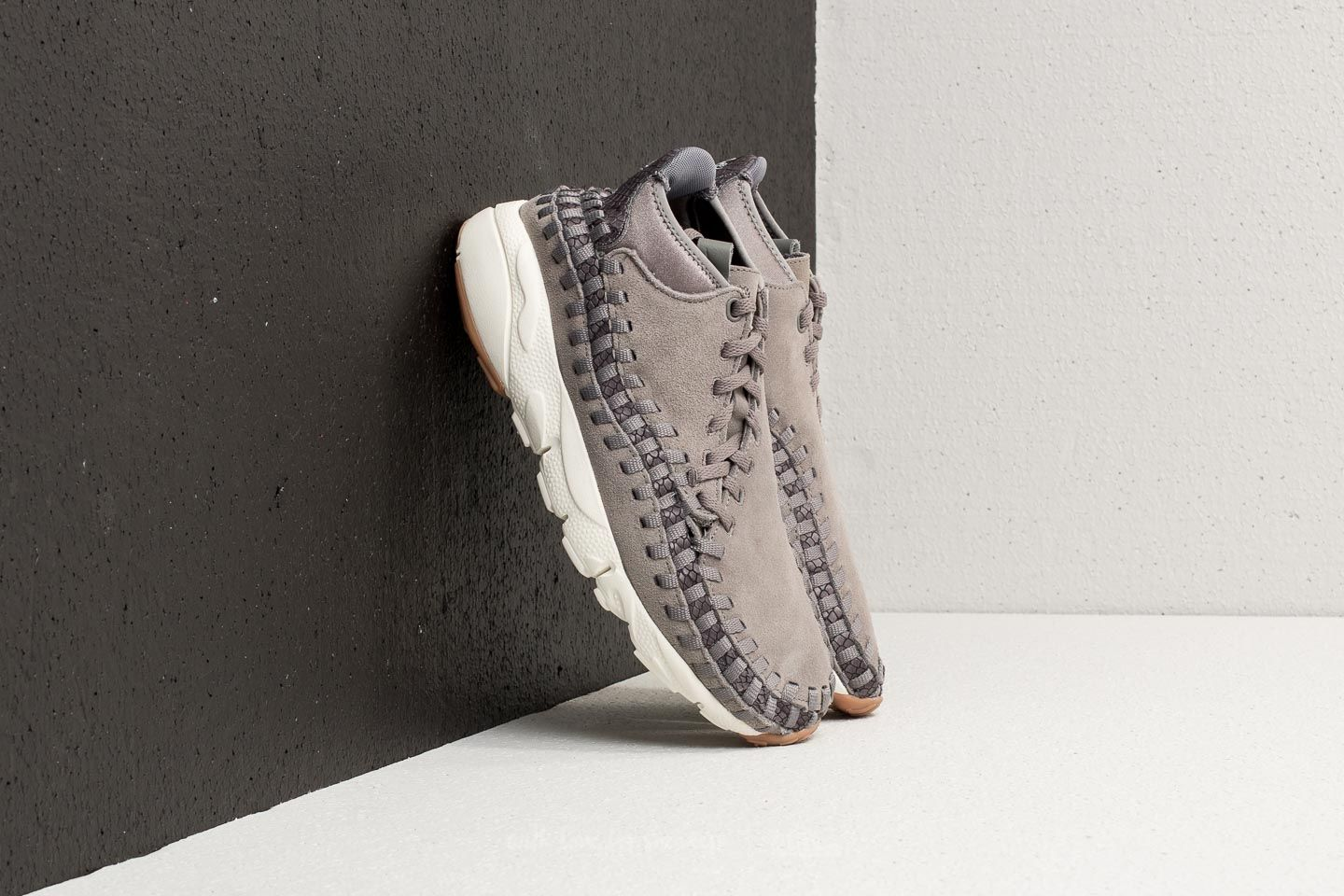 best website 2f05e 0afba Nike Air Footscape Woven Chukka Premium