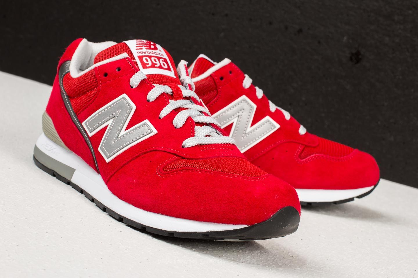 low priced ce7b7 d8ac6 New Balance 996 Red | Footshop
