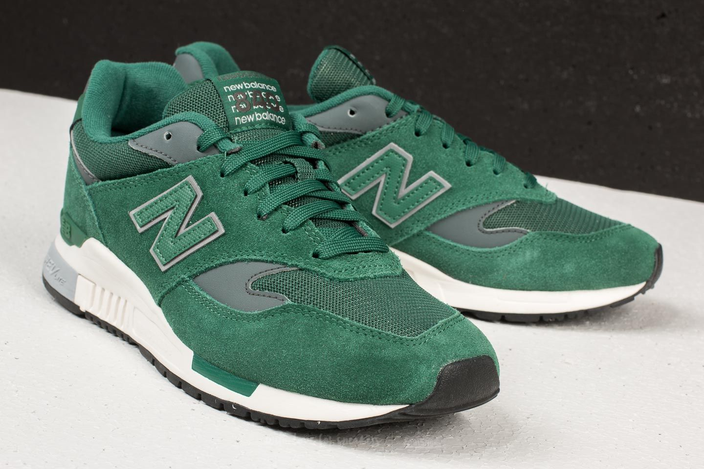 shoes New Balance 840 Forest Green