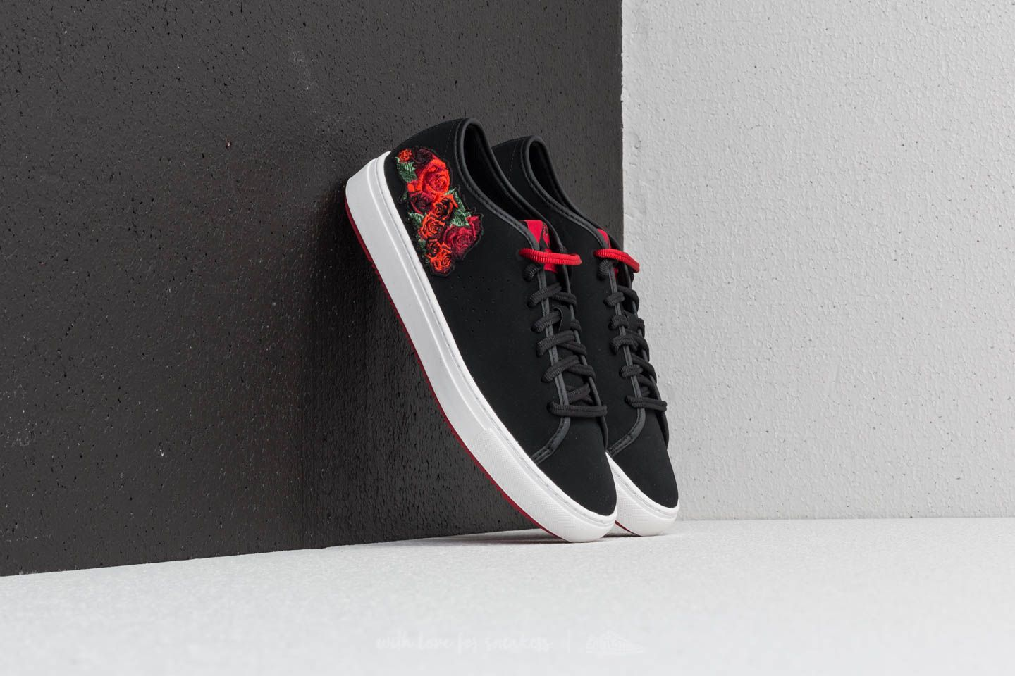 819fa073a036 le coq sportif Jane Embroidery Black  Tango Red at a great price 66 € buy