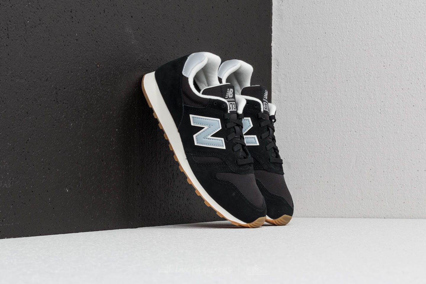 New Balance 373 Black/ Light Blue