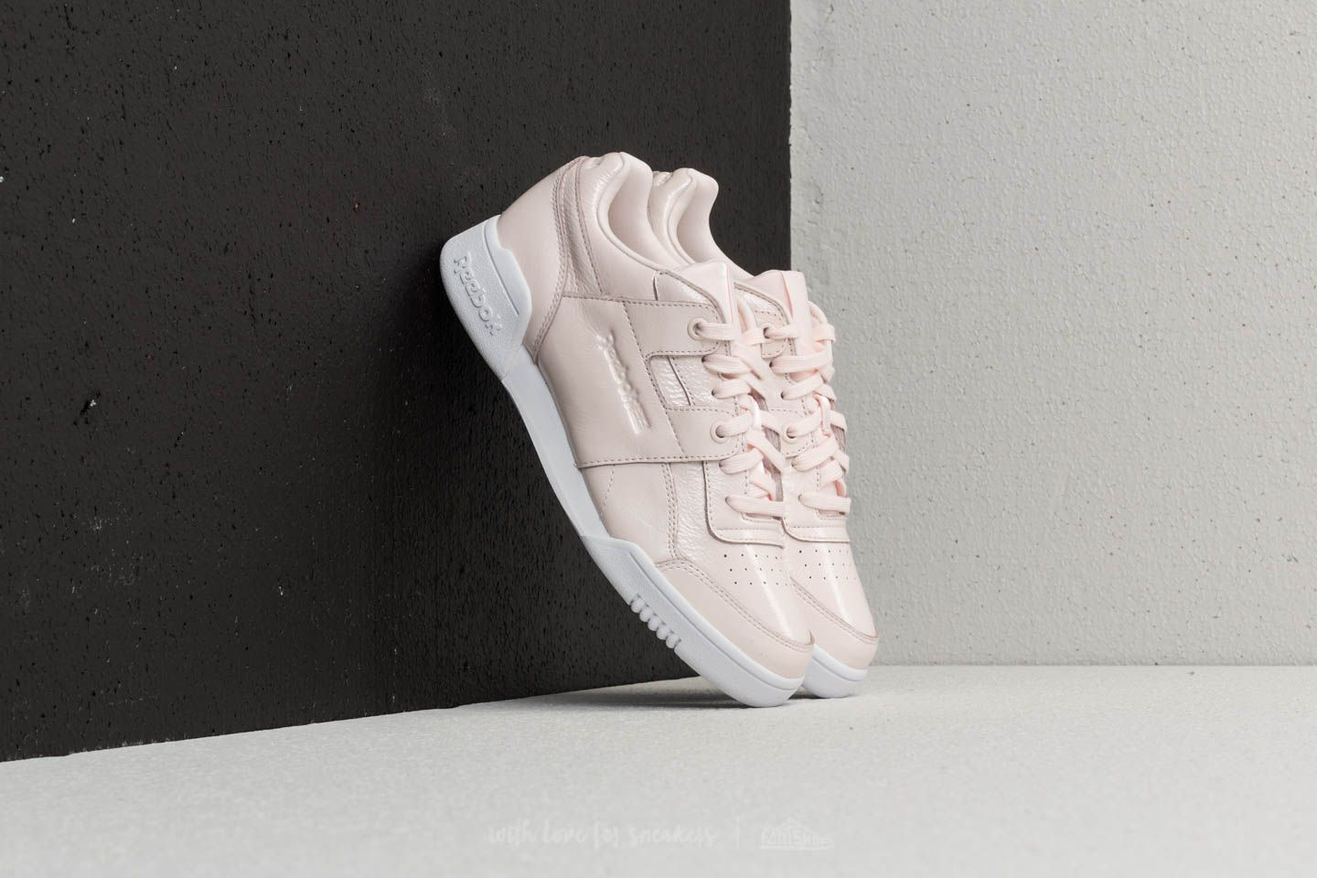8df64167a2200 Reebok Workout Lo Plus Iridescent Pale Pink  White at a great price 66 € buy